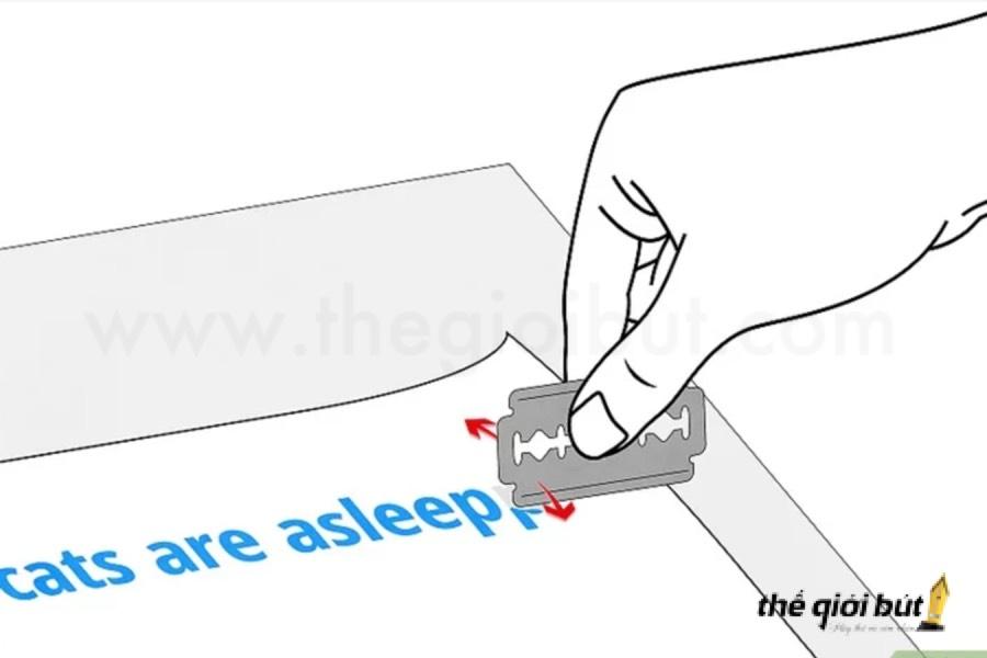 Mẹo tẩy mực bút bi trên giấy cực kì đơn giản
